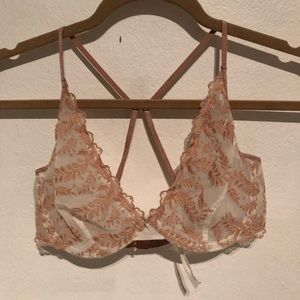 57303a5d46346 Free People Intimates   Sleepwear - NWOT! Free People Nude Embroidered Lace  Bra